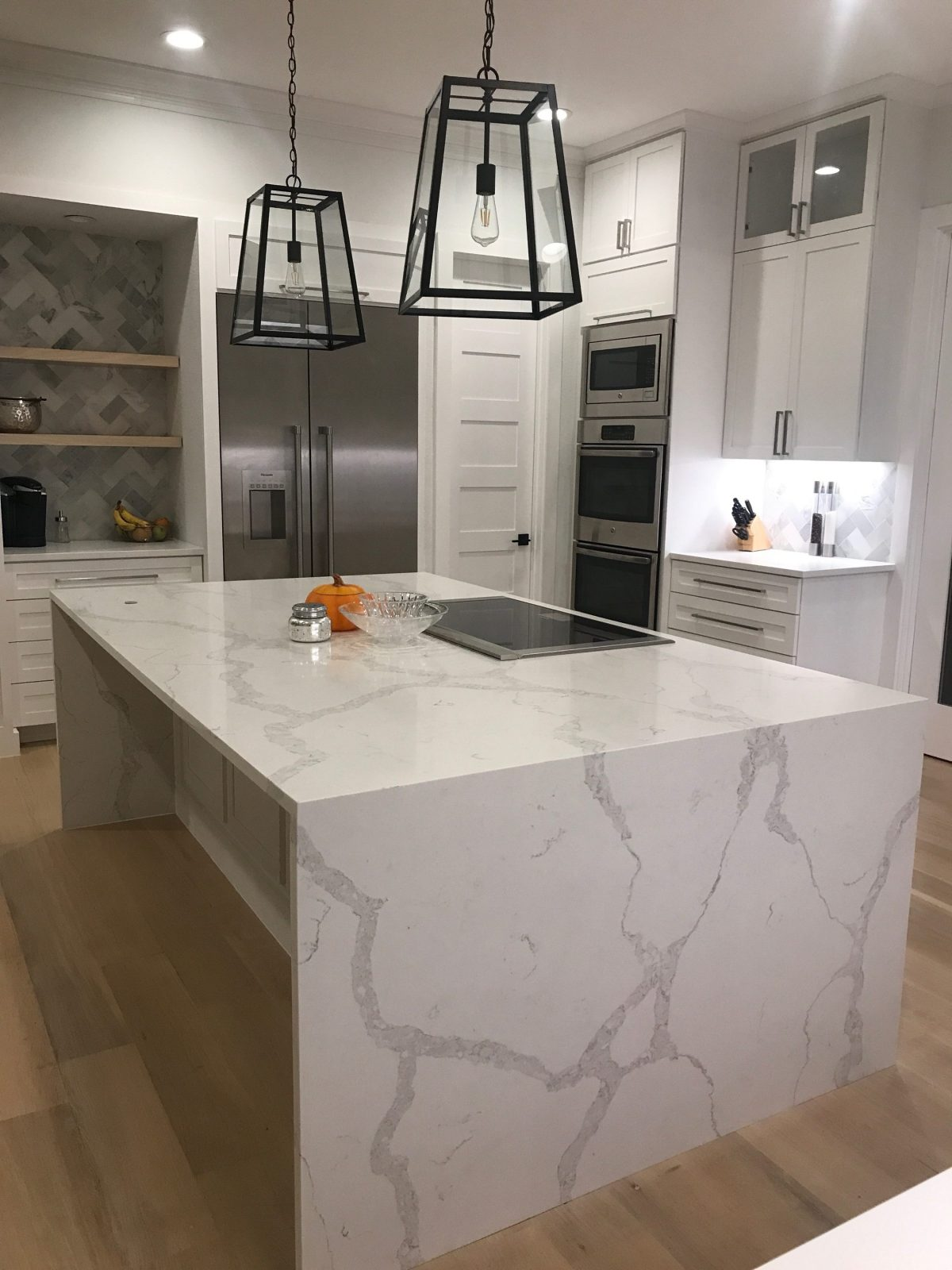 grey images white quartz pin beachy pict for countertops light best kitchen countertop