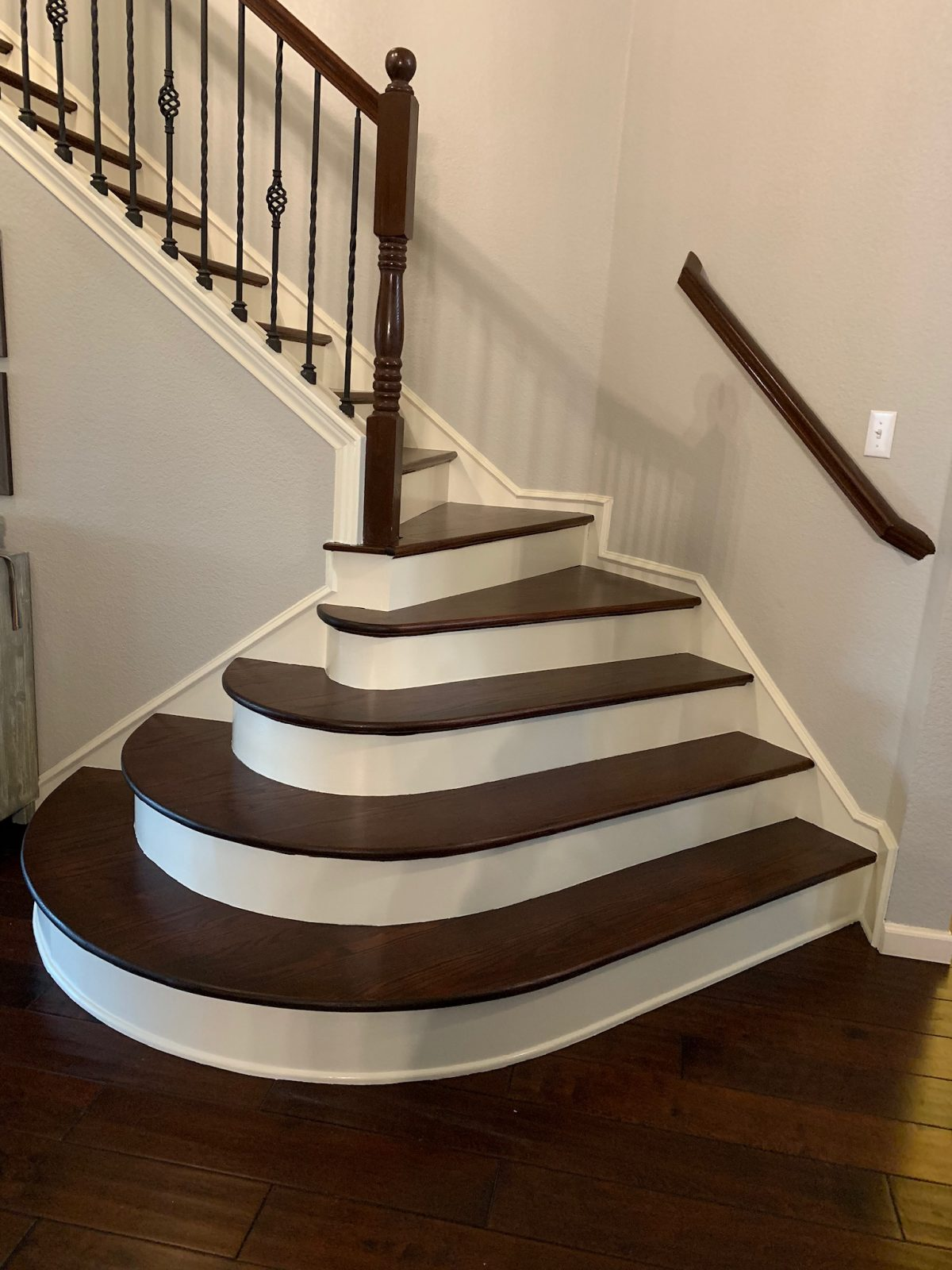 Before/After Staircase – Frisco, Texas